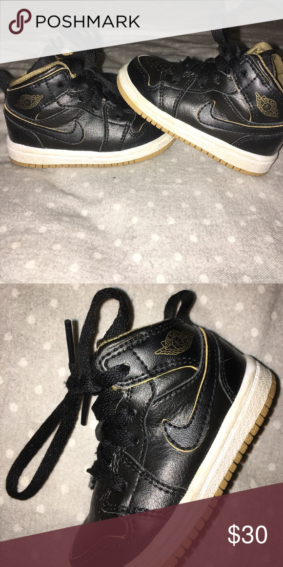 💥💥🔥Nike sneakers for baby/toddler Size 4 baby/toddler Perfect condition Nike Shoes Baby & Walker