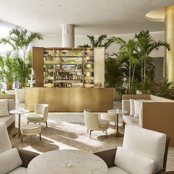 The Barefoot Chic Miami Beach EDITION Mixes Business With Lots And Lots Of  Pleasure.