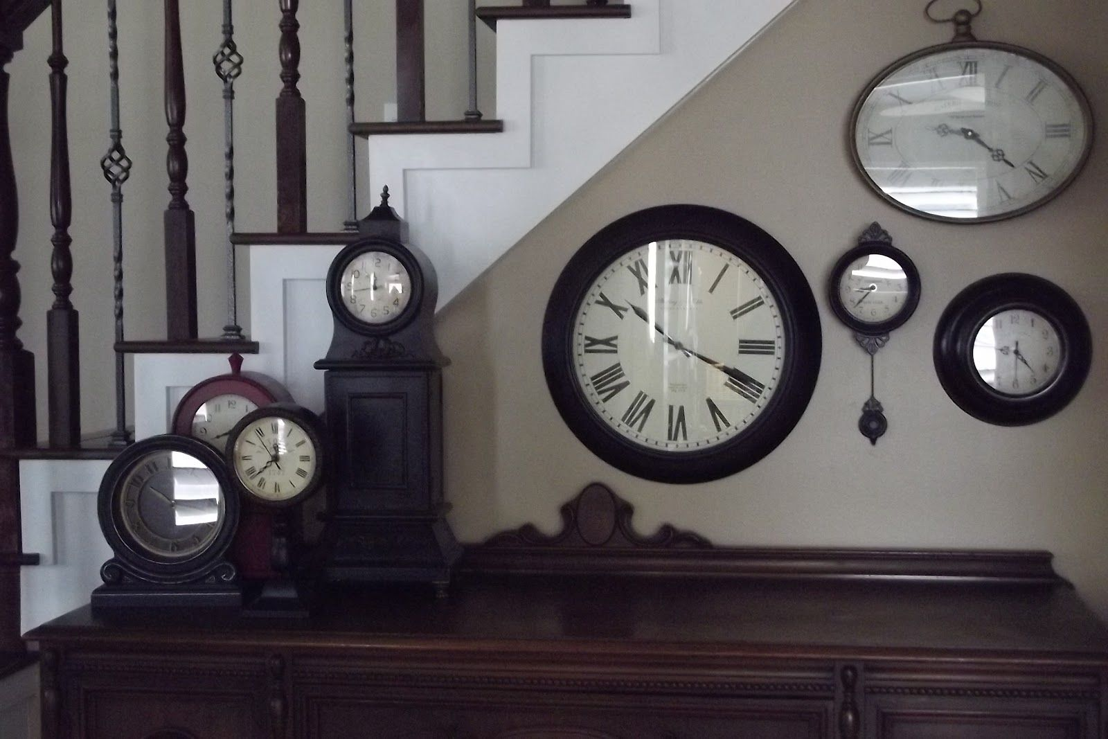 Like The Idea Of Different Sized Clocks On The Side Of The