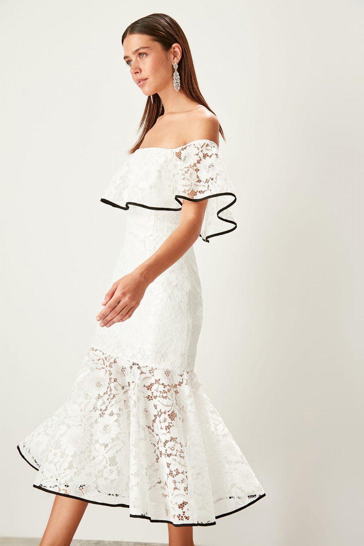 Trendyolmilla Straplez Ekru Volan Detayli Dantelli Midi Elbise Elbisebul Midi Elbise Elbise The Dress