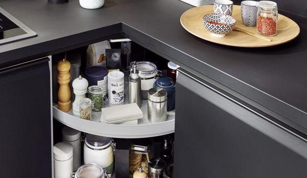 Rangement cuisine  les 40 meubles de cuisine pleins d\u0027astuces - amenagement placard d angle cuisine