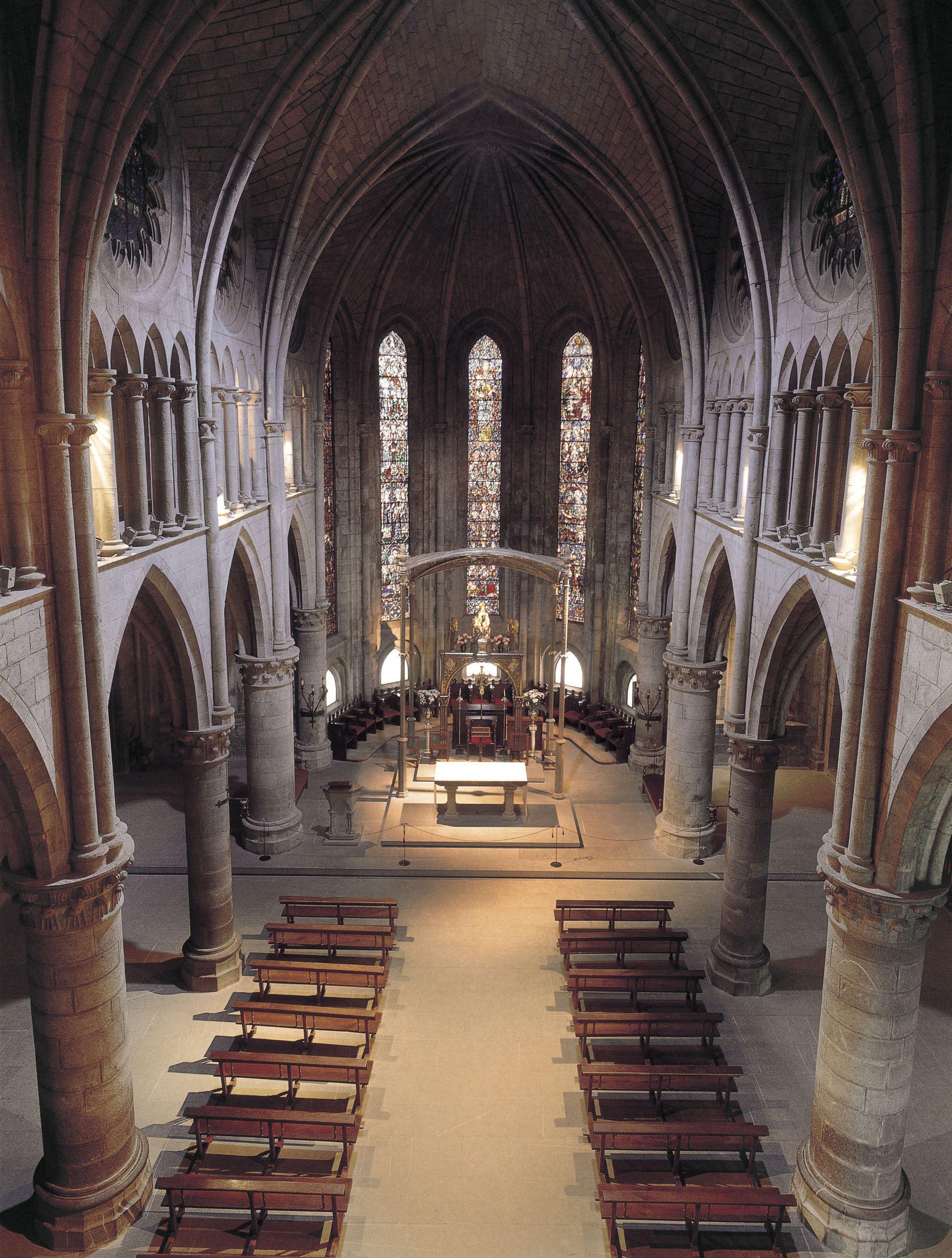 Interior de la iglesia de la Real Colegiata de Santa María (siglo ...
