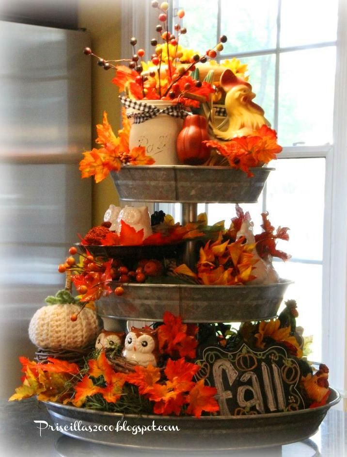 75+ Ways To Decorate Your Tiered Tray For Halloween #tieredtraydecor