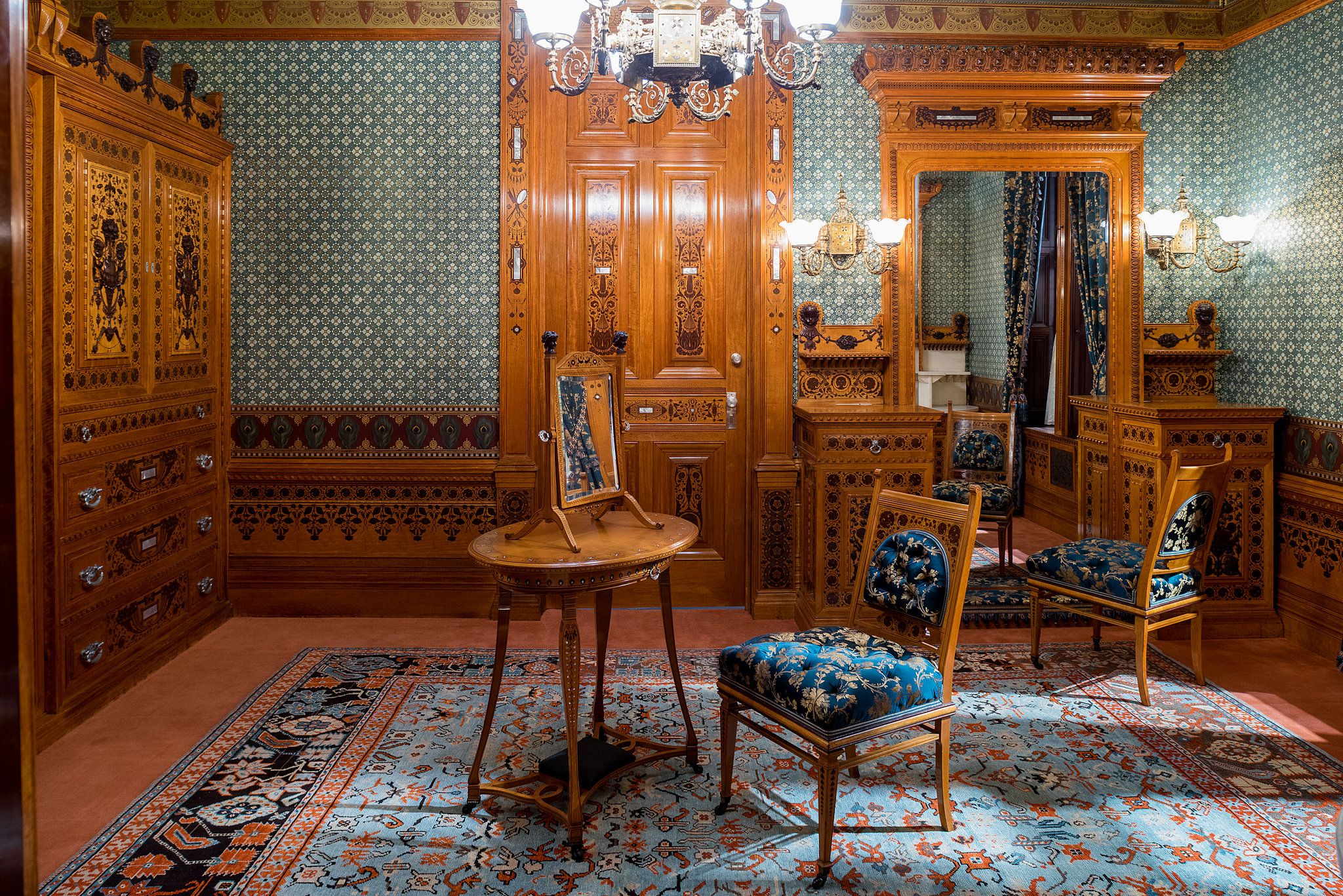 Peeking Into The Gilded Age At Met