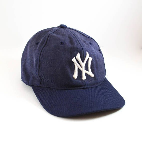 f157a9bdb20 Vintage New York Yankees Fitted Baseball Cap    Broken-in Unstructured MLB  Hat    Size 7 1 4