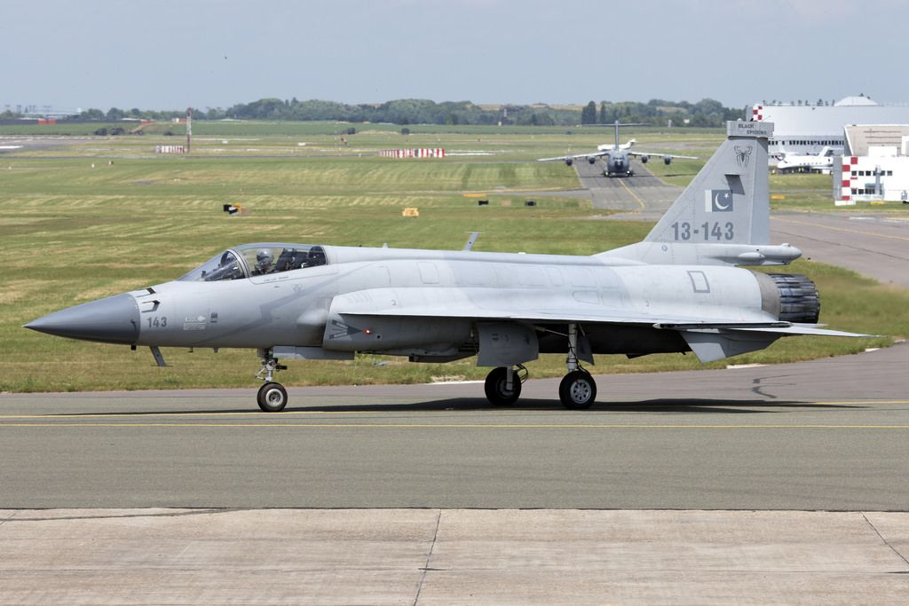 13 143 Jf 17thunder Pakistanaf Lbg Img02 Aircraft Fighter Jets