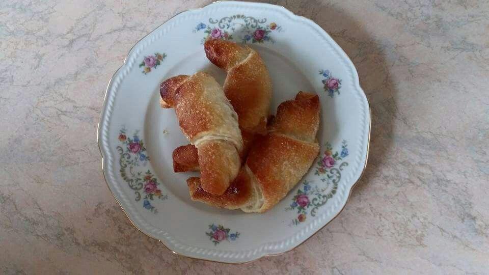 Sfogline con marmellata di pesche e cannella