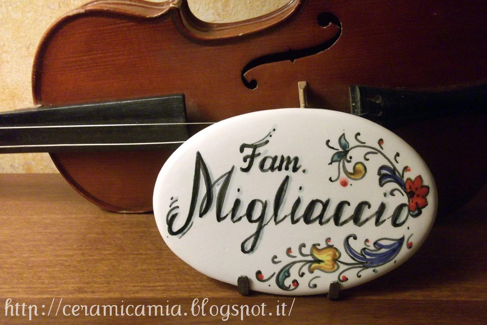 Plate on the #door #painting. Mattonella ovale(targhetta per la porta) dip.a mano di ceramica #Italy http://ceramicamia.blogspot.it/2013/01/targhetta-per-la-porta.html