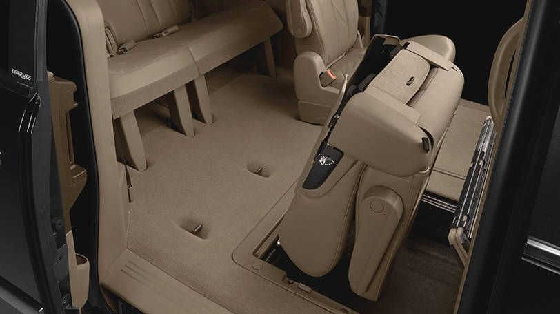 The Chrysler Town Country Comes Standard With The Innovative