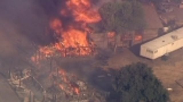 VIDEO: Wildfires threaten hundreds in California - http://thedailynewsreport.com/2013/08/07/top-stories/u-s-news-report/video-wildfires-threaten-hundreds-in-california/