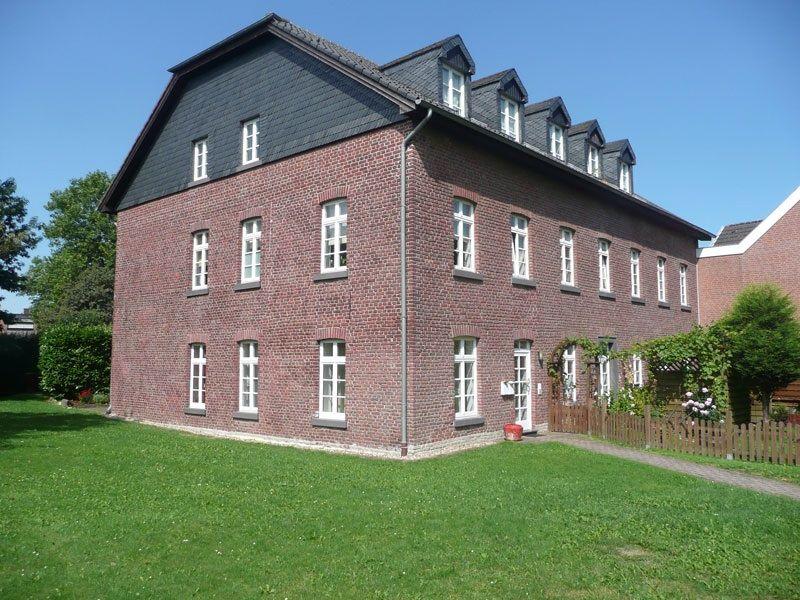 Compesmühle in Mönchengladbach. Ansicht des Mühlengebäudes 2012 Foto Norbert Verbücheln