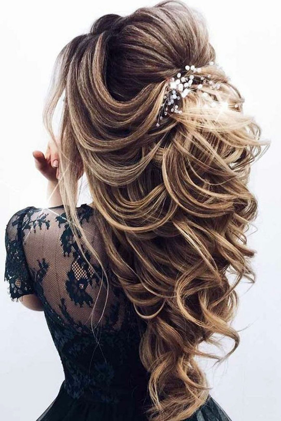 7 Memorable Prom Hairstyle Ideas That Will Make You The Center Of Attention - Fashions Nowadays