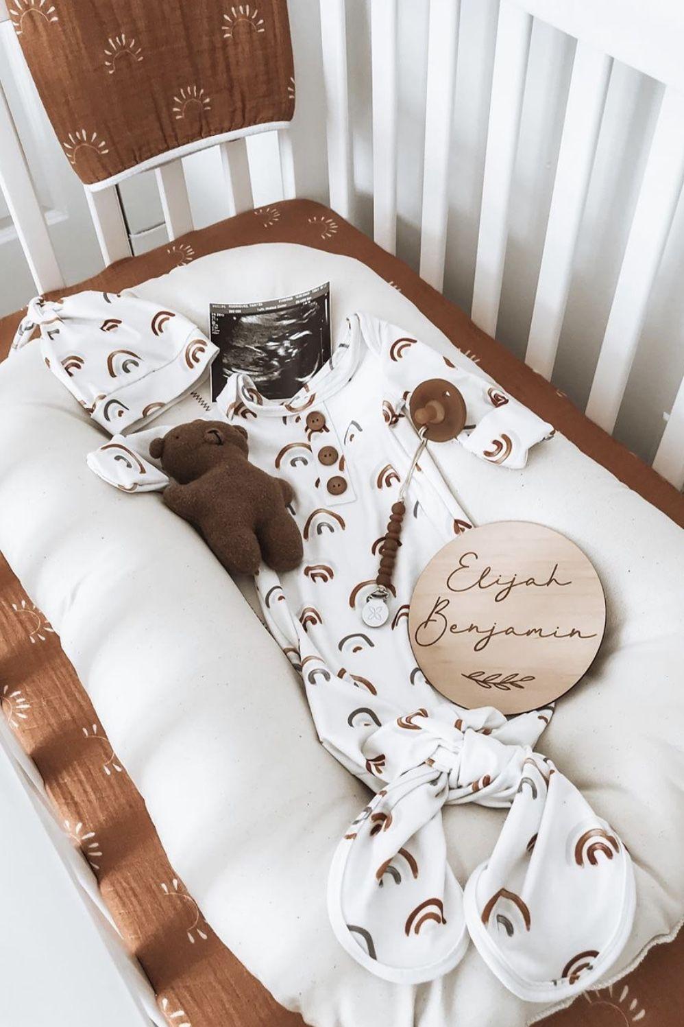 Sundown Crib Sheets In 2020 Organic Baby Clothes Baby Shower Gifts Crib Sheets