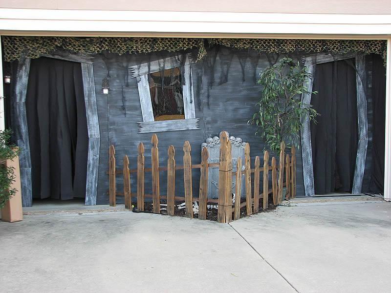 IDEAS  INSPIRATIONS Halloween Decorations - Outdoor Halloween - halloween garage ideas