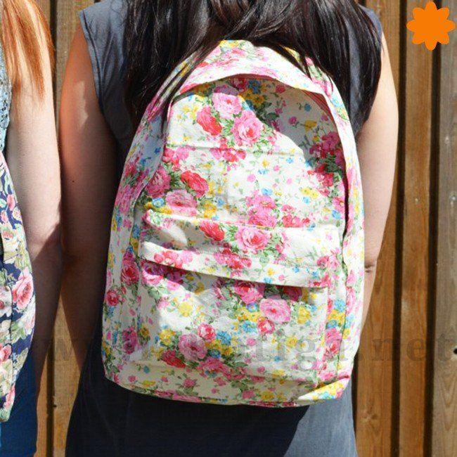 Mochila blanca chic con estampado de flores rosas  7bc90f6553a86