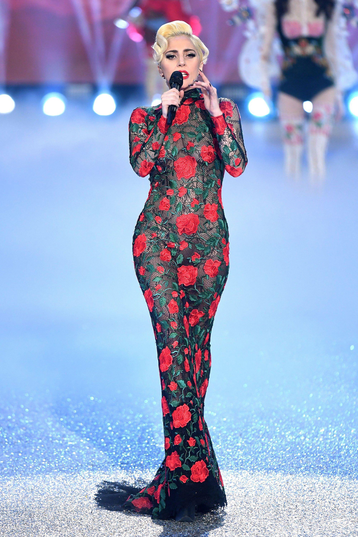 Communication on this topic: Lady Gaga rocks the Thierry Mugler runway, lady-gaga-rocks-the-thierry-mugler-runway/