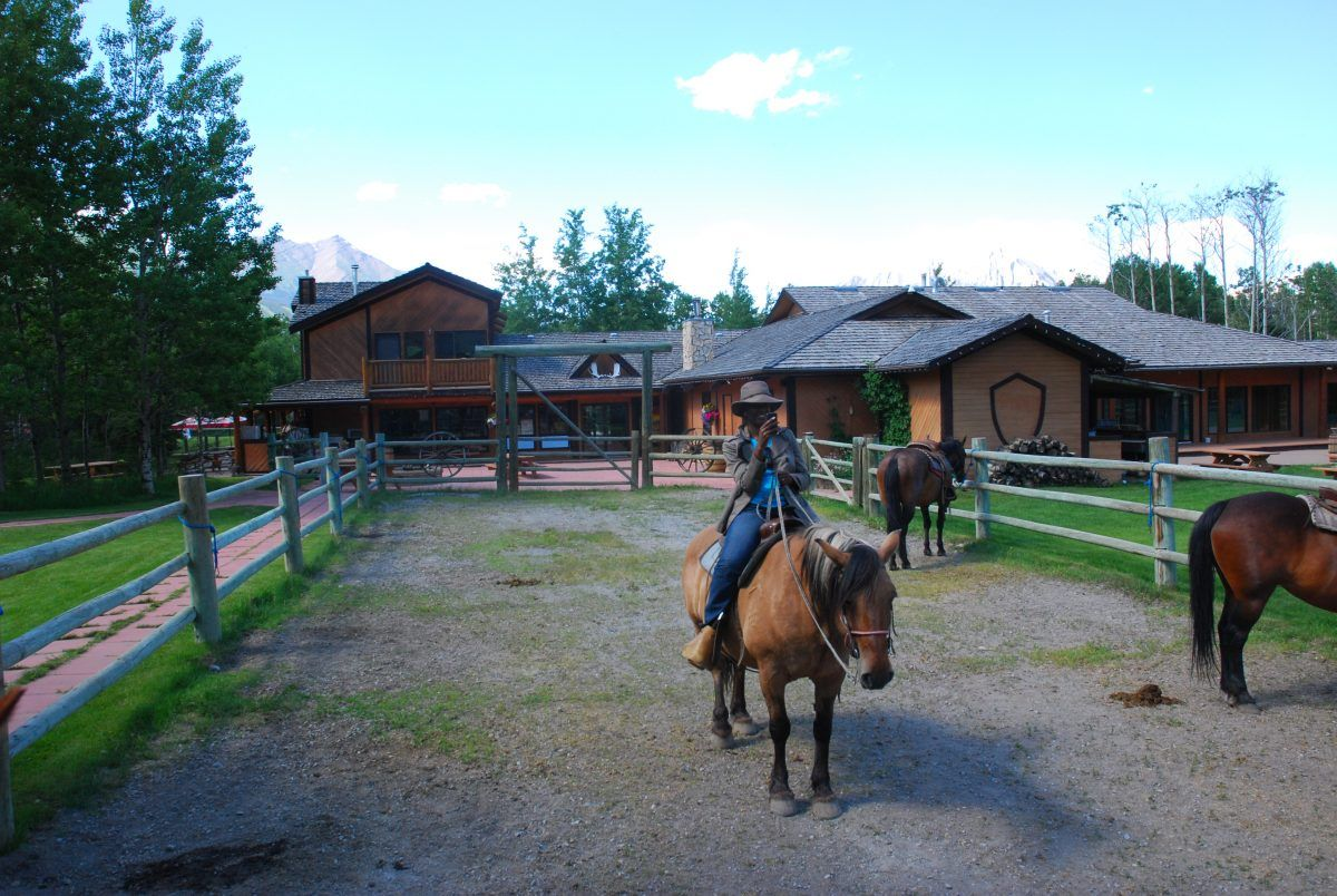 Book Ranch Vacations in Alberta, Canada in 2020 | Ranch ...