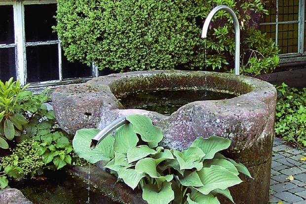 Brunnen mit Wasserspiel Ideen rund ums Haus Pinterest Water - brunnen garten stein