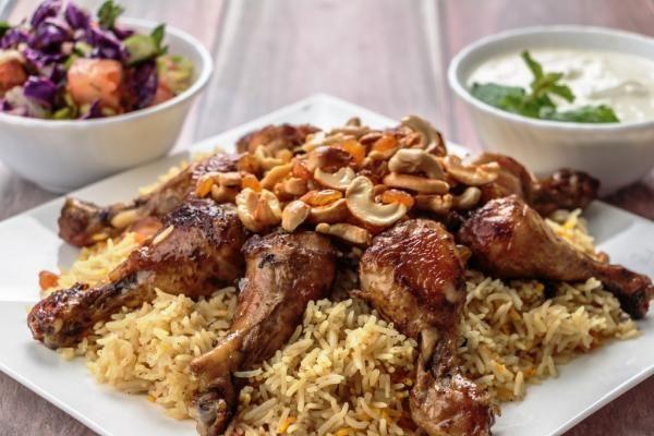 أوزي الدجاج السوري Syrian Chicken Ouzi Recipes Food Middle Eastern Recipes