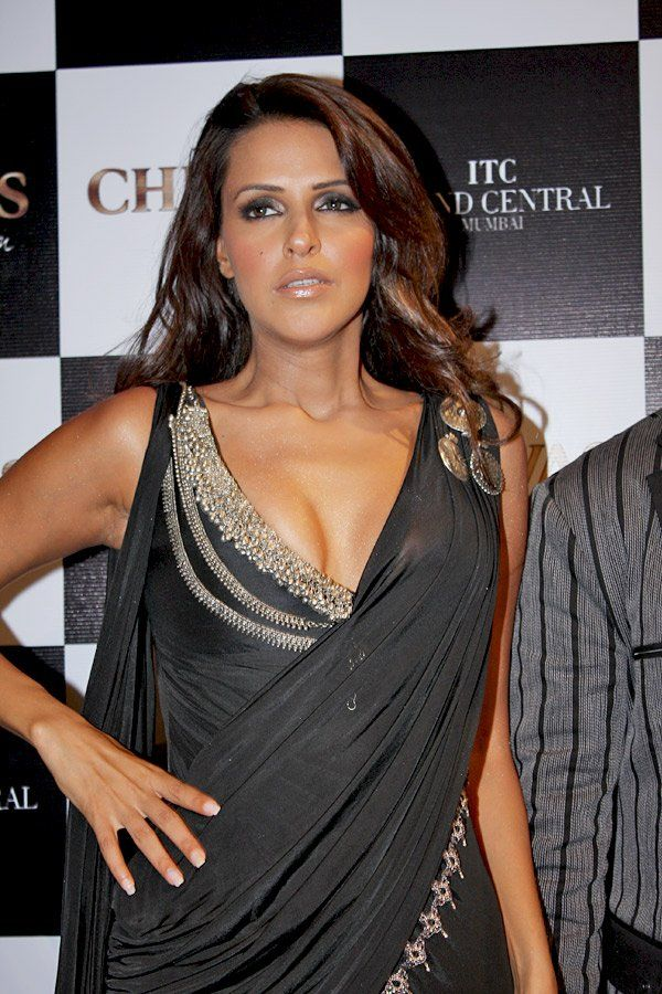 neha dhupia husband