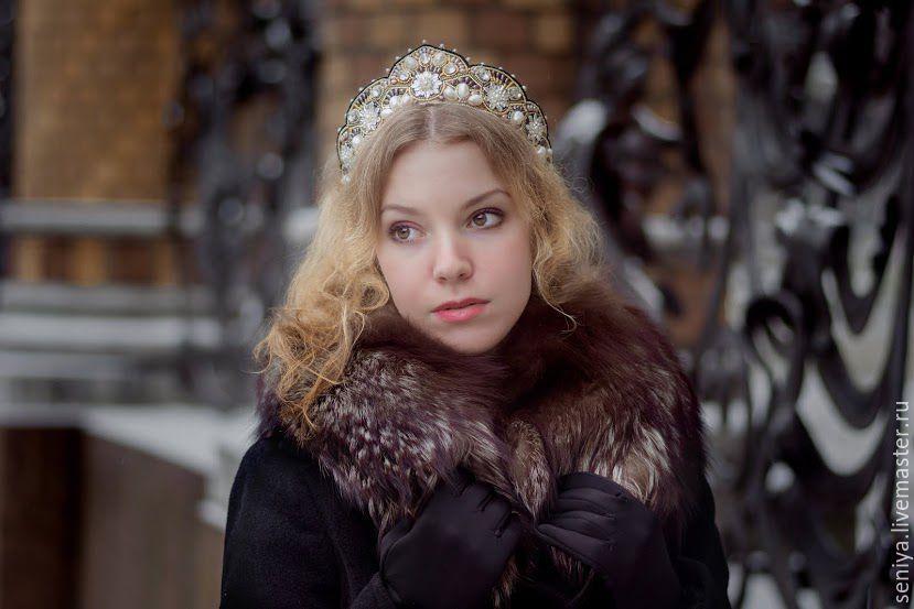 Купить Диадема-кокошник - белый, кокошник, кокошник-диадема, корона в стиле дольче, корона на венчание