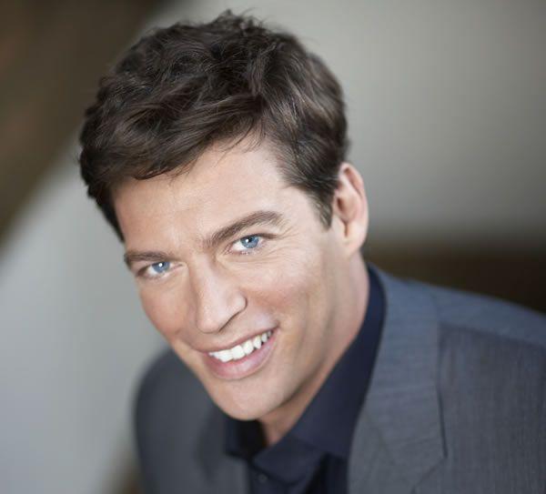 Harry Connick Jr. Those eyes, those teeth, the hair....yumola!!