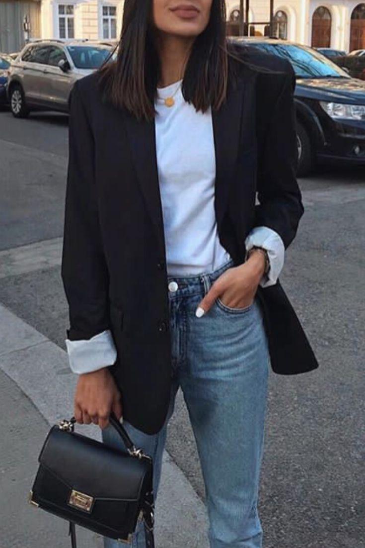 mode femme casual chic avec un jean un tshirt blanc et un. Black Bedroom Furniture Sets. Home Design Ideas