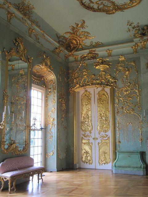 Berlin chateau de charlottenburg berlin palace for Interior architecture berlin