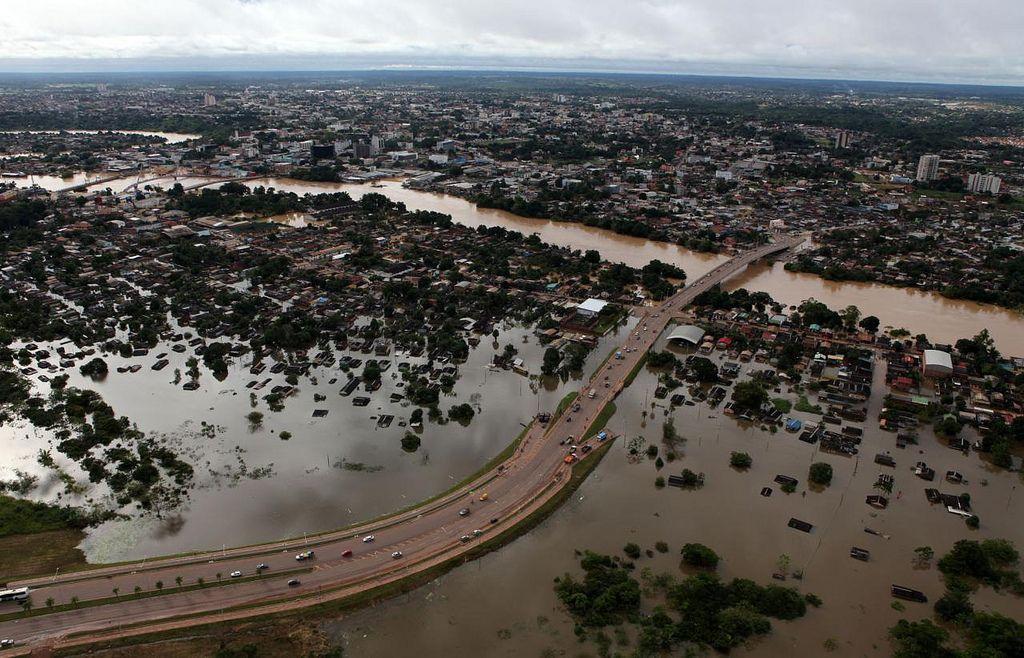Rio Branco toda debaixo d'agua!