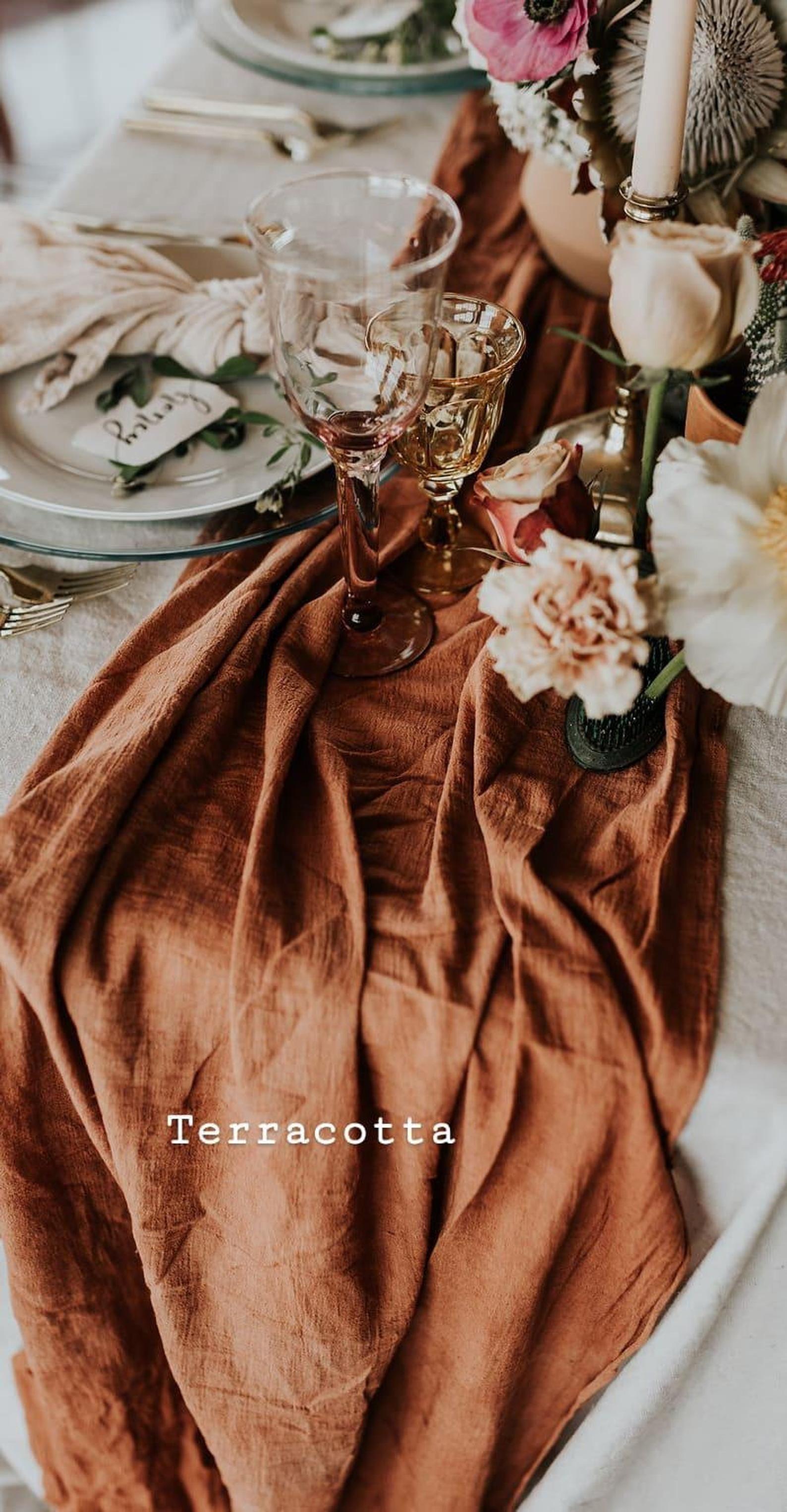 Terrakotta Tischläufer, Käsetuch Tischläufer, Kupfer Hochzeit Dekor, rustikale Hochzeit Dekor, Boho Tischdekor, Tischläufer gebrannt Orange