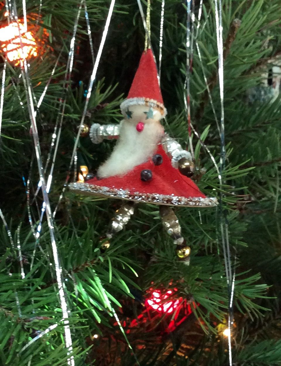 Trim Design Co A Christmas Tree Decorated With Handmade Origami Cranes Nods To The Homeowne Origami Christmas Tree Christmas Tree Decorations Decorating Blogs