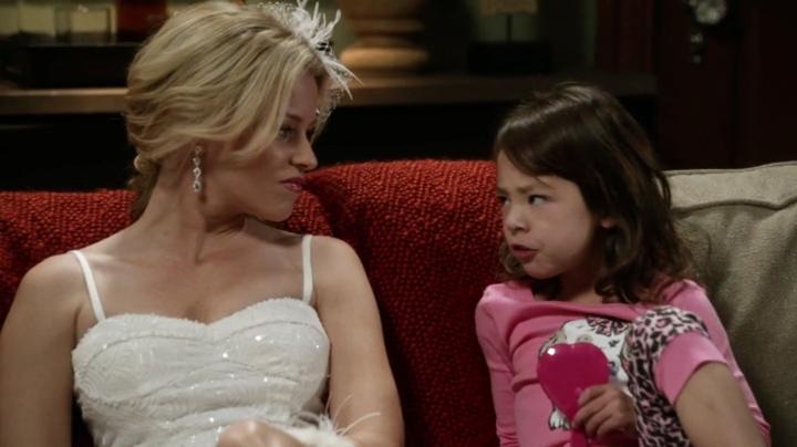 Modern Family S04e17 Modern Family Actors Actresses Elizabeth Banks