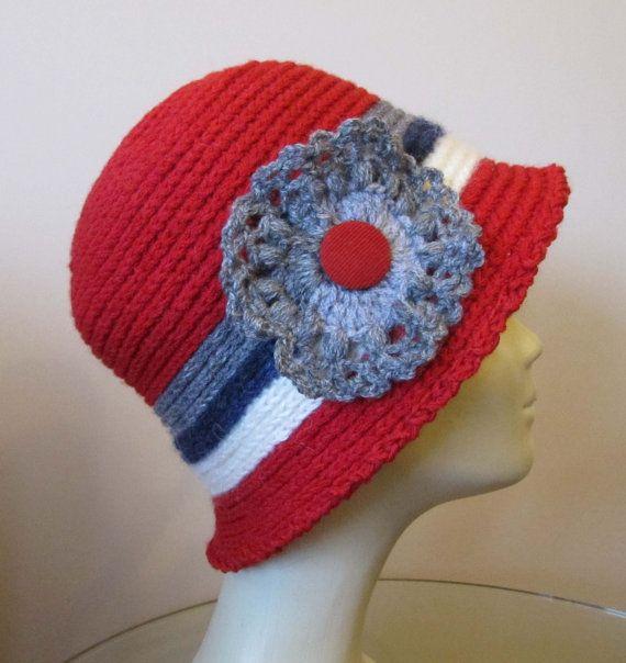 Women fashion hat hand knitted red light gray dark di SEVILSBAZAAR