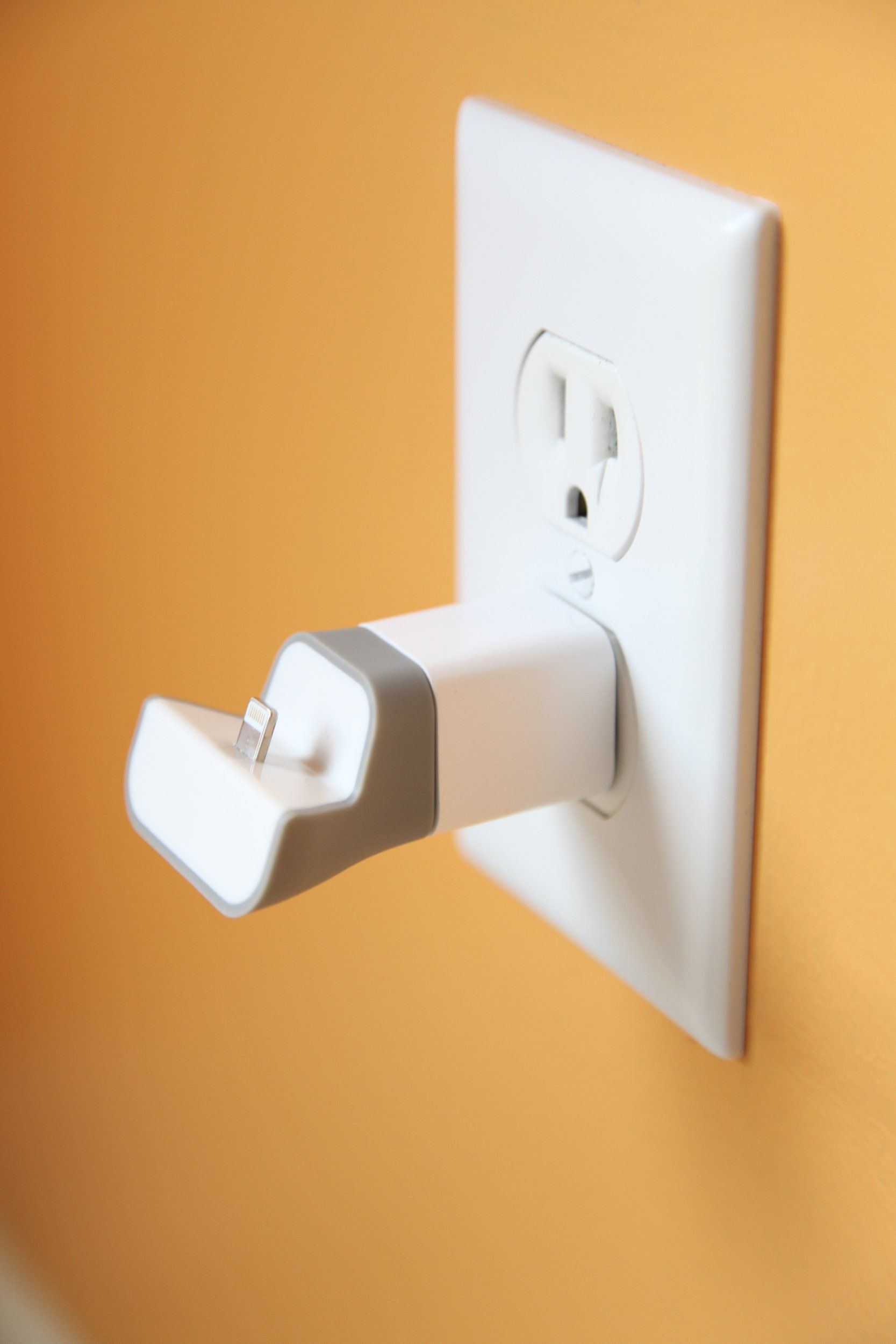 comment acheter comment acheter garantie de haute qualité Amazon.com: Mini Wall Plug-In Charging Dock For iPhone 5 and ...