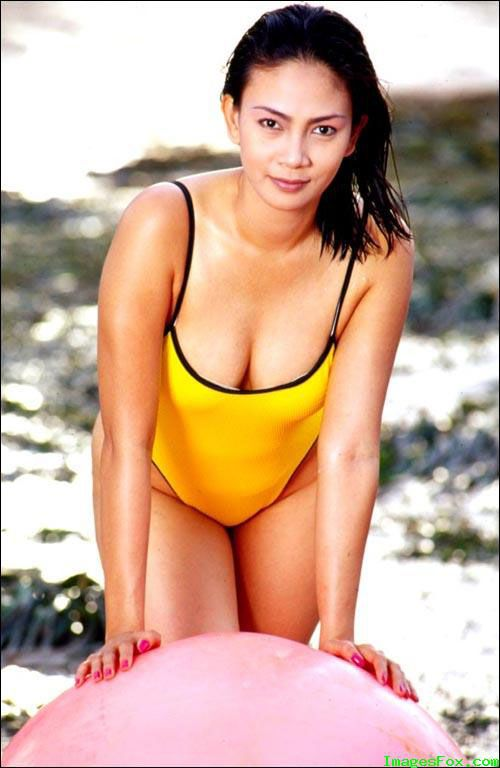 Foto Sexy Artis Indonesia Kumpulan Foto Jadul Dian Nitami With Yellow Swimsuit