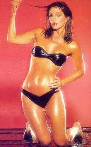Lisa marie pressly bikini pic