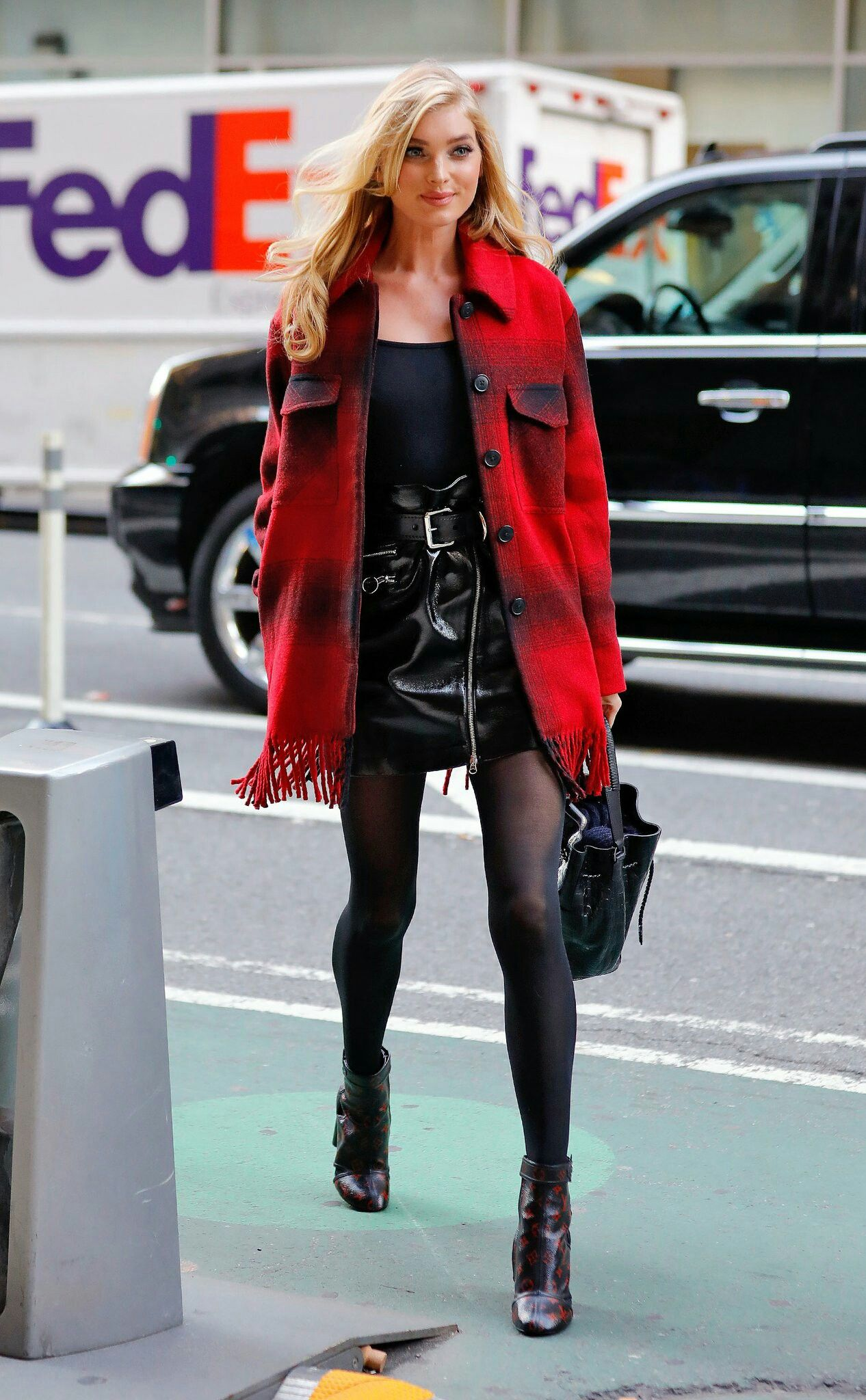 Meet The 2016 Victoria S Secret Fashion Show Models Pinterest Esi Braimah Style Inspo Elsa Celebrity Street Style Winter Outfits College Outfits Winter