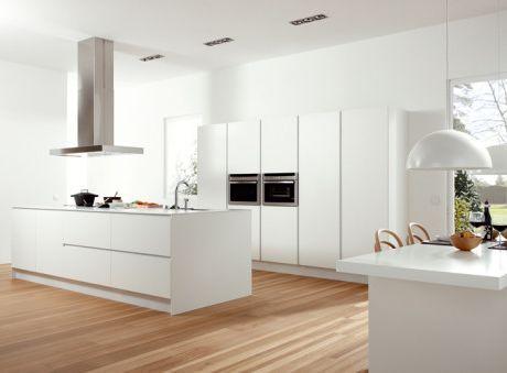 Buenos días ! Aquí os dejamos una cocina en blanco total que nos ...