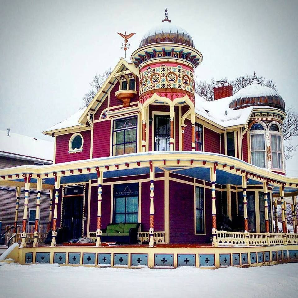 Snowy victorian houses houses i love pinterest victorian house