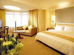 Golden Dragon Hotel Is A Reasonably Priced Two Tower Building Macau Hotel It Is Strategically Located Facing The Eastern Side Hotel Good Night Sleep Mini Bar