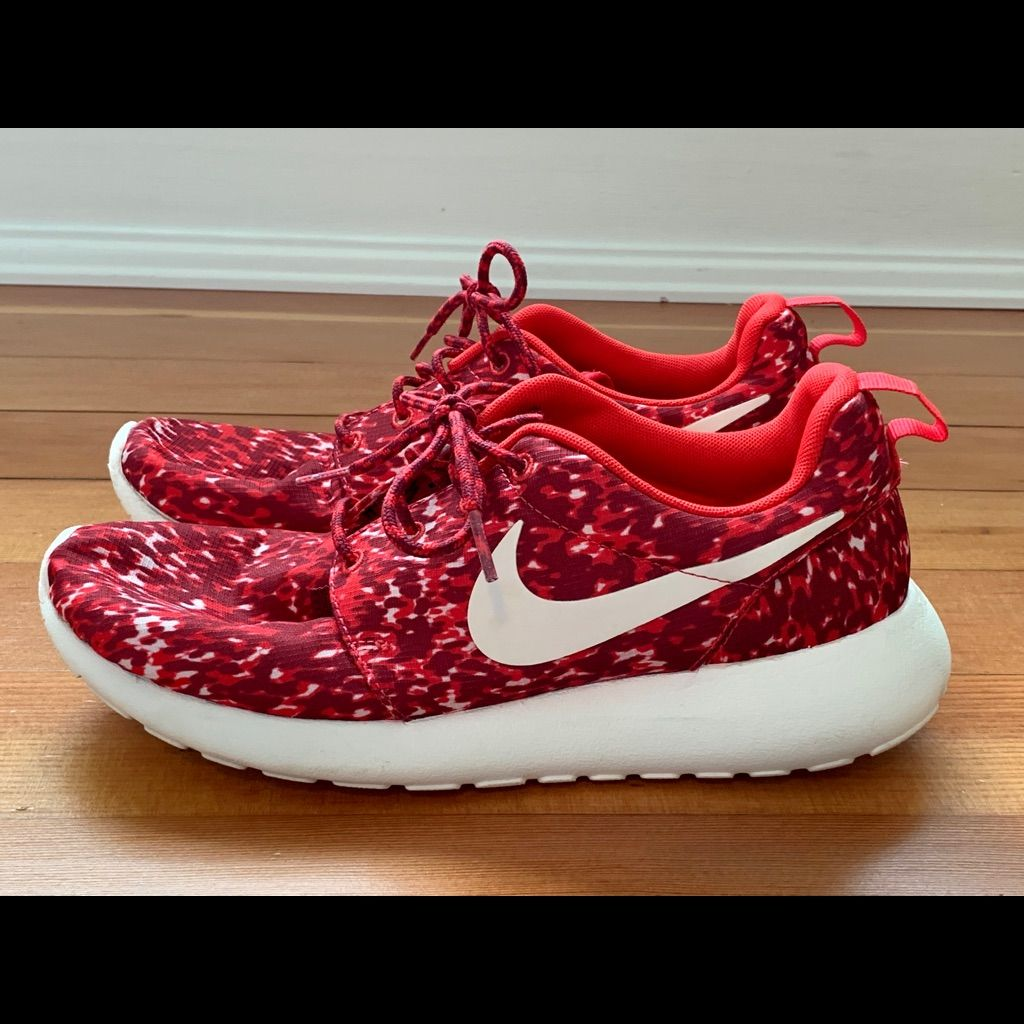 quality design 6097f 3200f Nike Shoes   Nike Roshes Womens Size 8   Color: Red/White ...