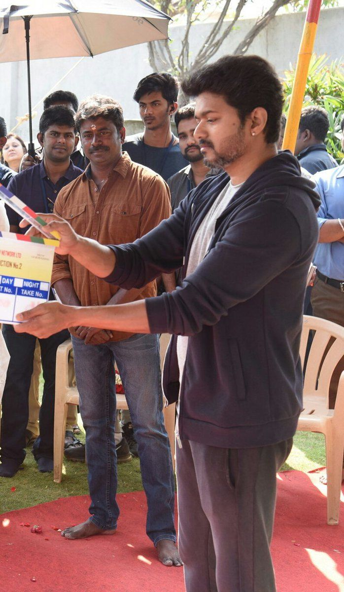 Dance moves of Vijay 62's opening song to be done by Shobi