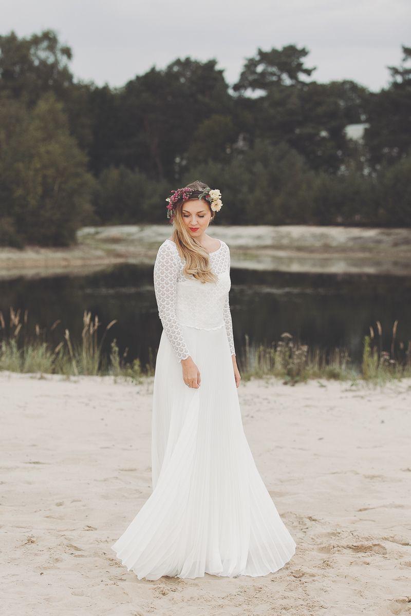 Besonderes Brautkleid aus Spitze und Plissee | Klamottenlieblinge ...