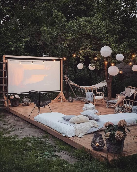 Outdoor Decor Ideas For A Summer Party - Society19