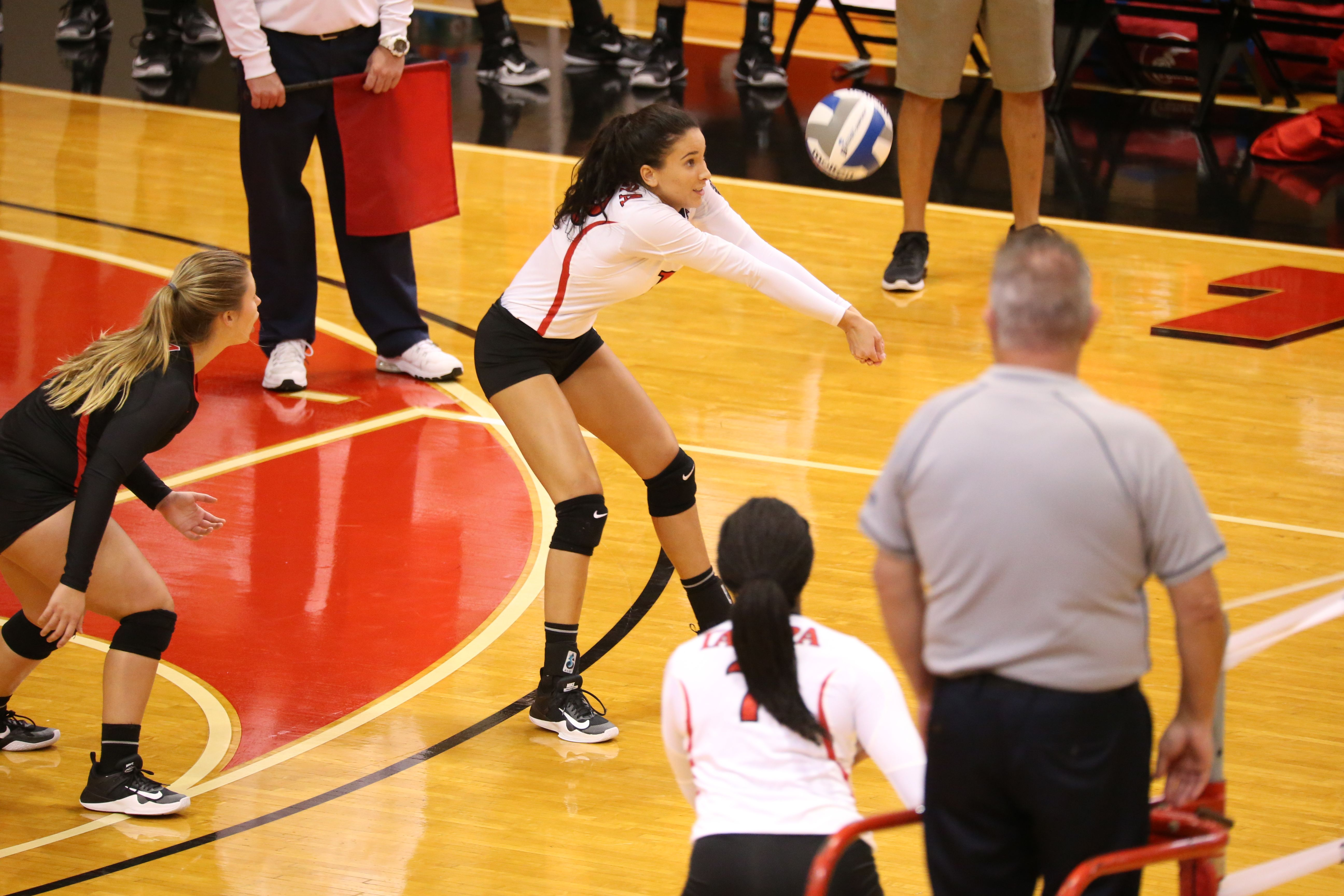 University Of Tampa Women S Volleyball With Images Women Volleyball University Of Tampa Athlete