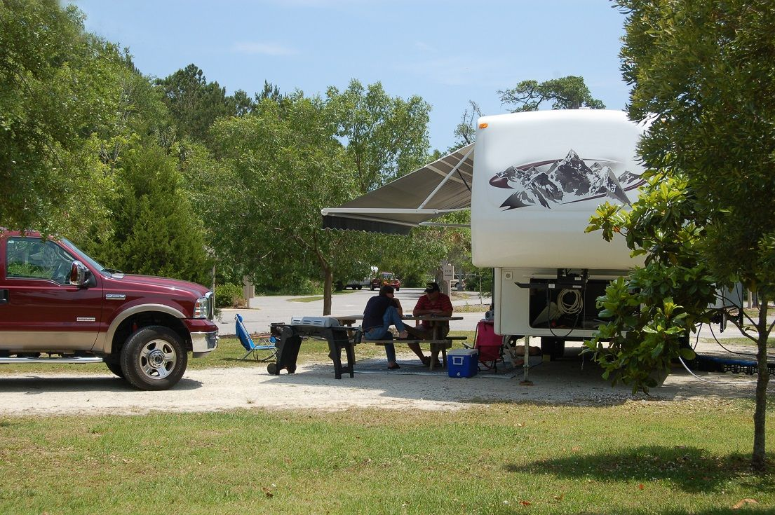Travelers Will Find Full Hookups And 20 30 50 Amp Service At 119 Rv Hookup Sites The James Island County Park Campground Charleston South Carolina