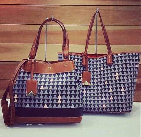 bff042044 Schutz Triangle | ♥ Bags in 2019 | Sapatos, Acessórios, Bolsas