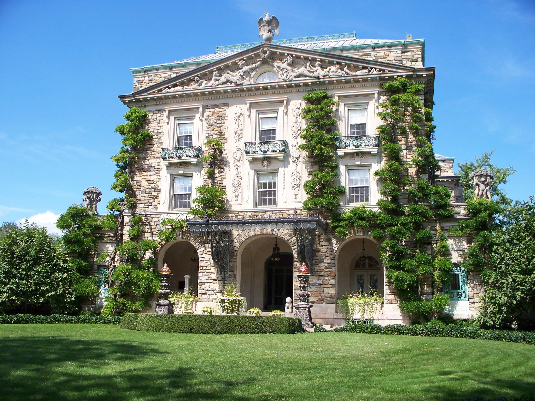 Kykuit american houses mount pleasant and national trust for Old new york mansions