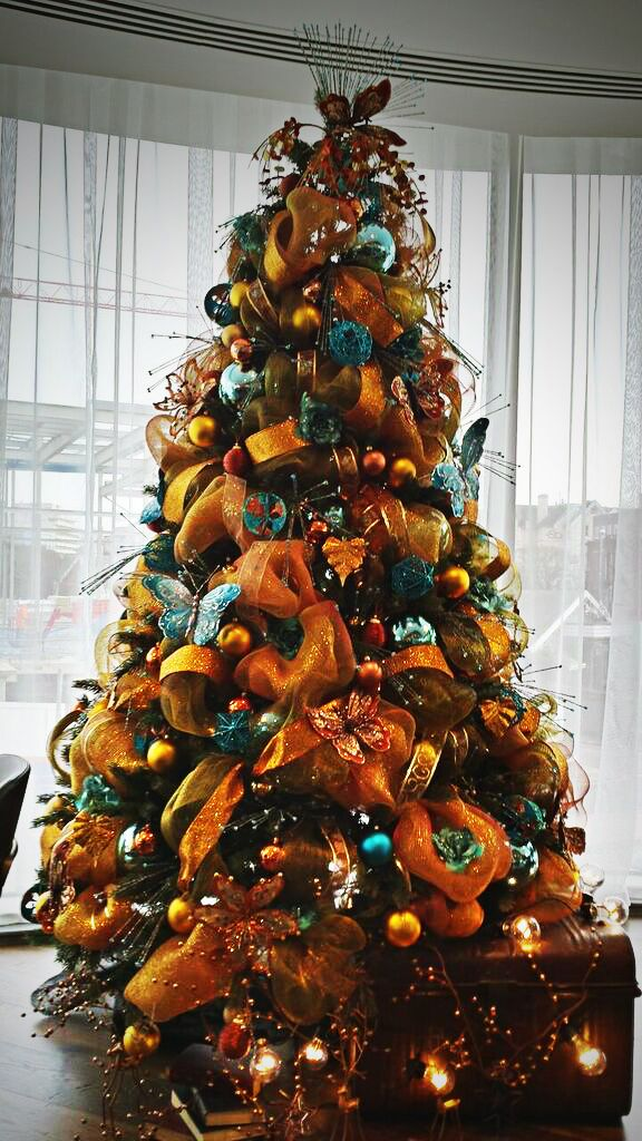 Commercial Christmas Decorations Uk.Christmas Decorating Services For Hire Our Christmas