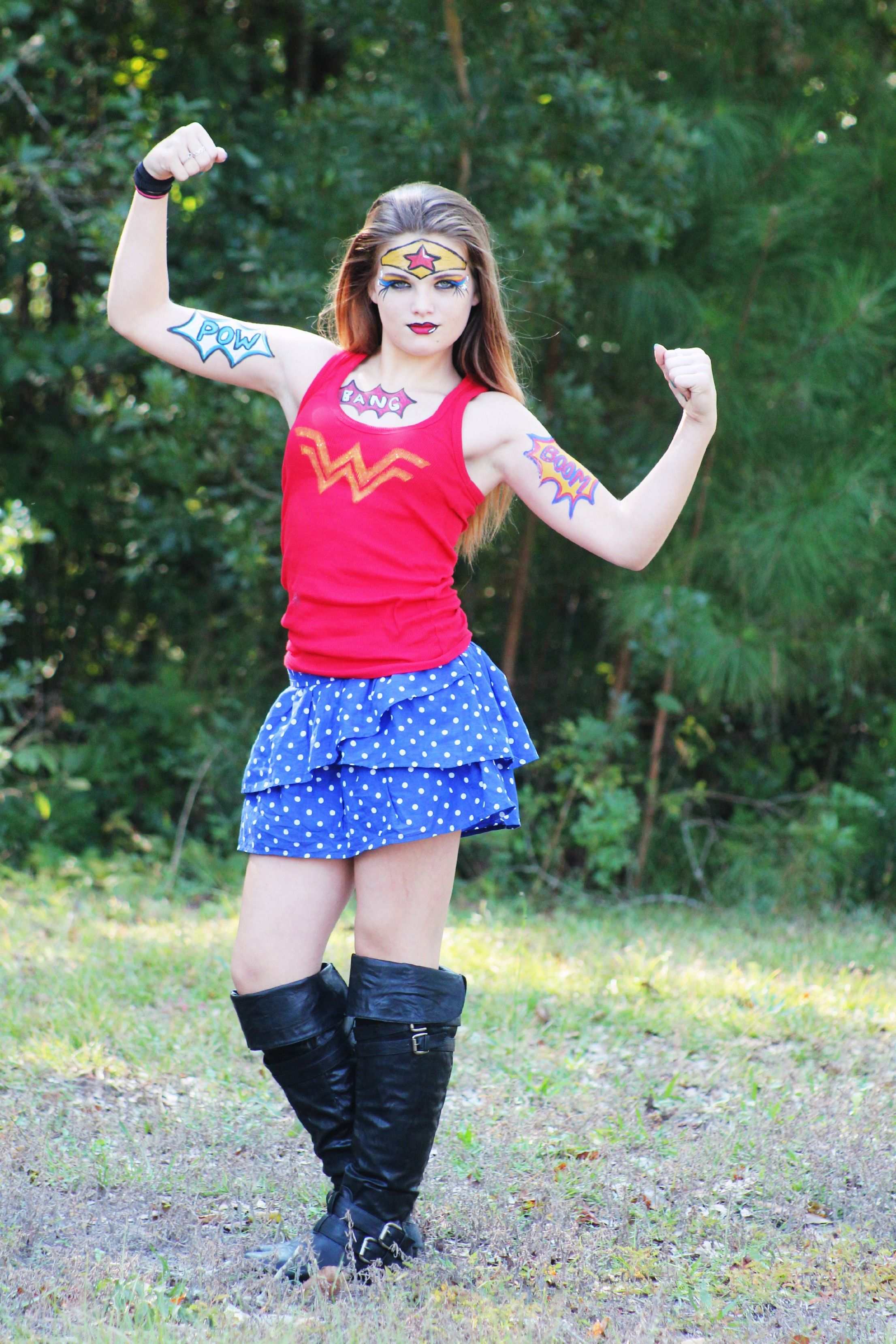 Who played wonder woman in the 80s-8583